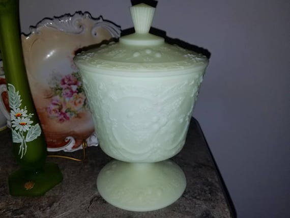 Vintage Fenton art glass covered footed pedestal compote bowl dish yellow opaque custard satin / bon bon / candy