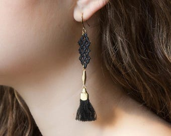 Lace earrings - CRISSCROSS - Black lace