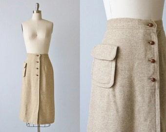 Vintage 1970s Wool Tweed A Line Skirt with Wood Buttons and Pocket / Secretary Skirt / Wool Skirt