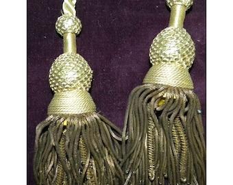 Antique Tassels Metallic Pair French