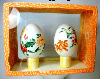Pair of Hand Painted Easter Eggs, in a Display Case Box, 1980s Real Hen Egg Shells w Colorful Chinese Traditional Paintings
