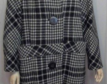 ON SALE Vintage 1960's Women's Black White Plaid Wool Fox Fur Collar Swing Coat Large