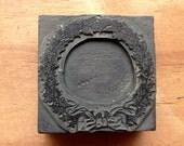 Antique PRINTERS BLOCK - Christmas Wreath with ribbon tied in bow.