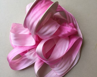 1 metre of 25mm silk ribbon (colour V003 variegated bright pink)
