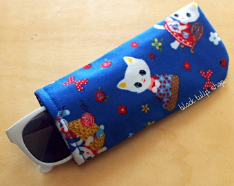 Glasses Cases Sleeve Sunglass Case Soft Lightweight Eyeglass Reading Cover Retro White Girl Kitty Cats Summer Flowers Lady