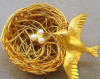 Jeanne Bird on Nest Pin