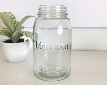 Vintage Mountain Mason Canning Quart Jar, Light Yellow Green Color, Intermountain Glass Company, Utah 1935-1936