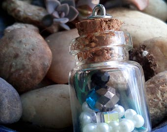 Glitter Stone Terrarium Necklace
