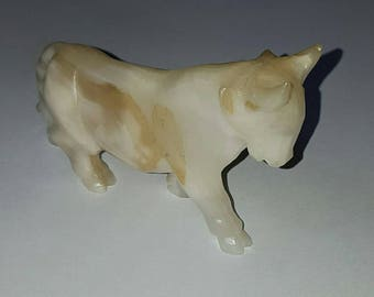 Vintage Hand Carved Onyx Bull from Mexico
