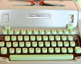Machine à écrire HERMES Media 3   touches vert mint   HERMES Typewriter vintage  60s  70s