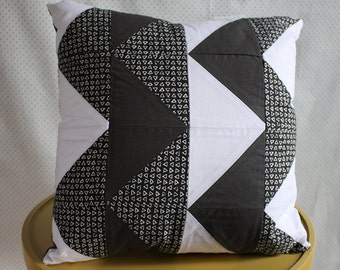 Double-Sided Geometric Zigzag Pillow