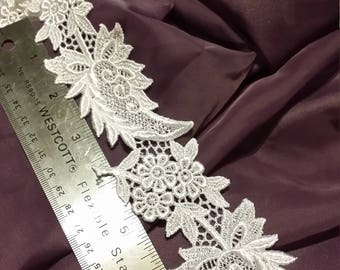 Leaf and Floral Venice Lace Trim