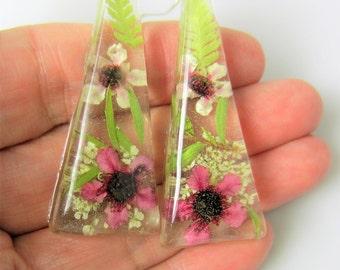 Pink and 'White Hepe Earrings, Real Flower Earrings, Pressed Flowers, Resin (2015)