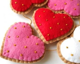 Valentines Day, Valentine Garland, Valentine Ornaments, Heart ornaments, Valentine's Day Hearts, Felt Hearts, Valentine's, Felt ornaments