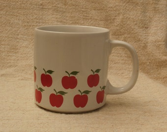 Country Apples, White with Red Vintage 1980s Coffee Mug