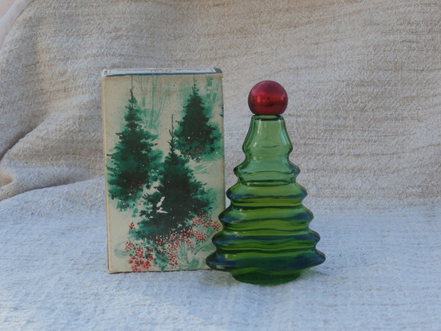 Vintage avon christmas tree bottle w imperial garden cologne