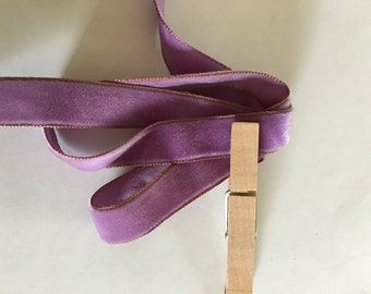Vintage velvet lilac ribbon