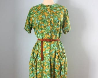 SALE 1950s DAY DRESS / 50s cotton painterly print dress / Plus size