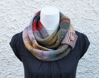 SCARF, knitted infinity loop scarf, chunky multicolour scarf, gift for her