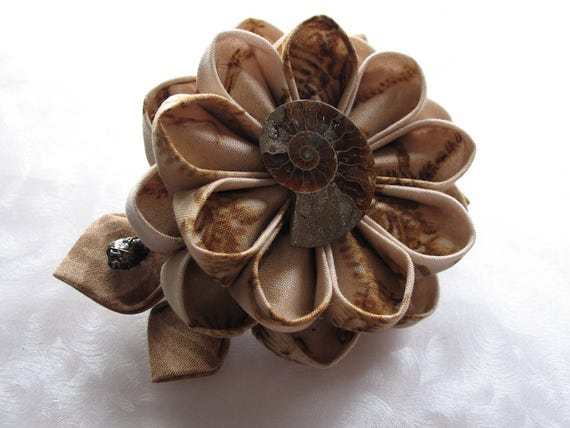 Velocarapture Kanzashi Flower Hair Clip with Fossils and Dinosaurs