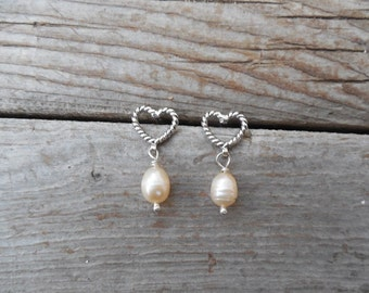 Heart pearl earrings handmade in sterling silver 925 with fresh water pearls