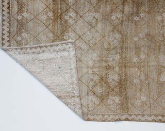 """Neutral Earth Tones Subtle Abrash Faded Soft Vintage Turkish Carpet / 5'11""""x8'6""""/180x260cm"""
