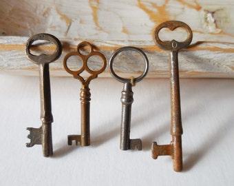 4 vintage Keys antique barrel keys decorative drawer cabinet padlock hardware salvage jewelry Supplies gothic steampunk Lot 42