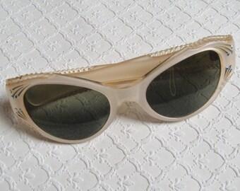 Vintage 1950s Suntimer Sunglasses, Rhinestones, Cat Eyes, Pale Pink, Mint Condition