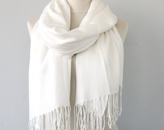 White pashmina scarf bridesmaids gift bridal shawl wedding accessorries bridesmaids shawl thick pashmina winter scarf party favor gift