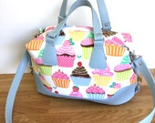 Bag - Cupcake Handbag Side Clips Blue Vinyl