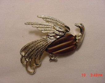 Vintage Tropical Bird Brooch   16 - 613