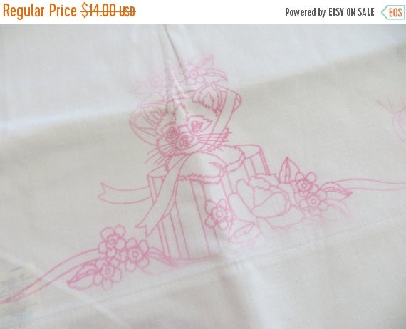 ON SALE Vintage Printed Pillowcase Set to Embroider-Kittens