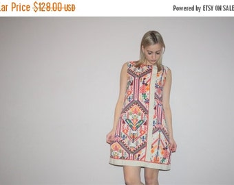 Weekend SALE - Tribal Linen Vintage 1960s Rainbow Hippie Graphic Boho Sac Dress - VTG 60s Hippie Dress  - Boho Dress - W00283