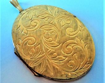 Large Gold Oval Locket... Gold Filled