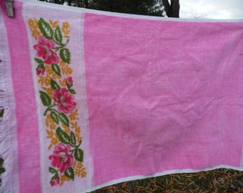 "Martex vintage bath and hand towel set fringed edges all cotton pink with floral design at one end bath towel 42 x 23"" hand 25 x 15 1/2"