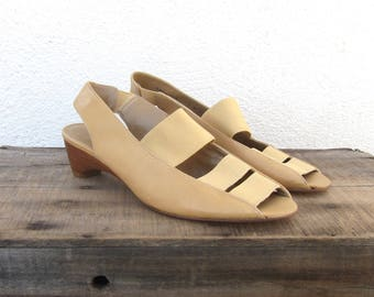80s Stuart Sandals Weitzman Slingback Elastic Kitten Wedges Modern Normcore Cream Leather Size 7.5 Narrow