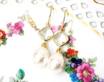 Pearl drop earrings Bridal pearl teardrop earrings Pearl earrings Pearl dangle earrings Pearl and glass earrings Bridesmaid earrings Gift