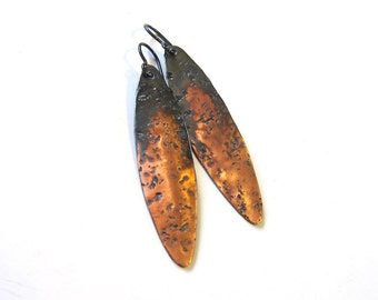 Rustic hammered copper leaf earrings Long oxidized copper niobium dangles Bohemian hippie gypsy metalwork jewelry