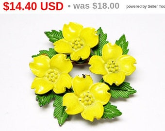 Spring Sale Yellow Dogwood Flowers Brooch - A wreath of Yellow Enamel Flowers  & Green Leaves - Mid Century 1950s 1960s Vintage Pin - Gar...