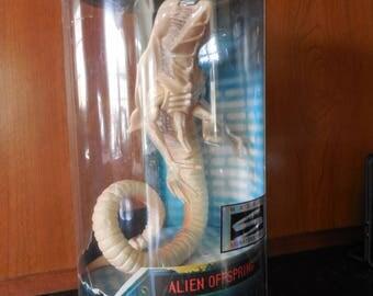 Alien Resurrection Hasbro Signature Series, Offspring. sealed