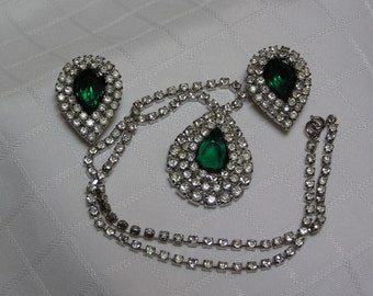 Vintage emerald glass tear triple stacked clear sparkling rhinestones pendant necklace and clip earrings