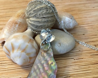 Rippled Mother of Pearl Stingray Necklace