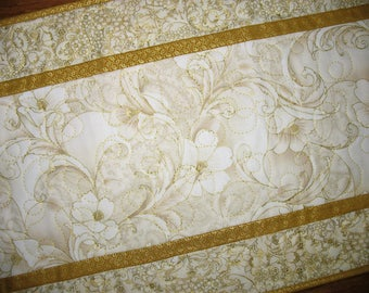 Elegant Table Runner, floral gold metallic, quilted table runner, metallic, fabric from Robert Kaufman