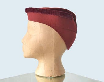 1940s Burgundy Sculpted Wool Cap