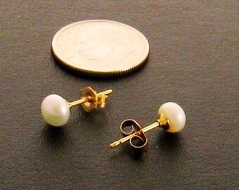 Freshwater Stud Pearl Earrings, Genuine Pearl Stud Earrings, Real Pearl Studs, Genuine Pearl Earrings, Sweet 16 Gift for Her, Gift for Mom