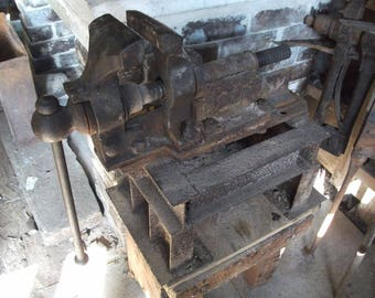 Antique Monster Parallel blacksmith's bench vice, 50 kg Vise, 75kg with stand, forge use