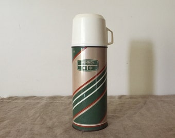 Fabulous VINTAGE green tartan pattern Thermos Brand Thermos. Made in England.
