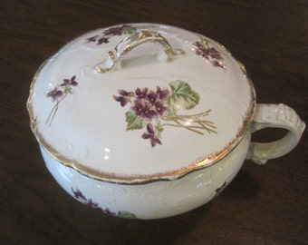 John Maddock & Sons LTD Chamber Pot with Lid 1896-1907