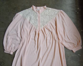 Vtg Waffle Knit Thermal Long Baby Pink Lace Yoke Nightgown 80's 90's Puff Sleeve Pajamas M L XL 2XL Brownstone Studio New York Made in USA