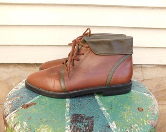 Vintage Two Tone Leather Ankle Boots By Sporto Size 6.5 Women's